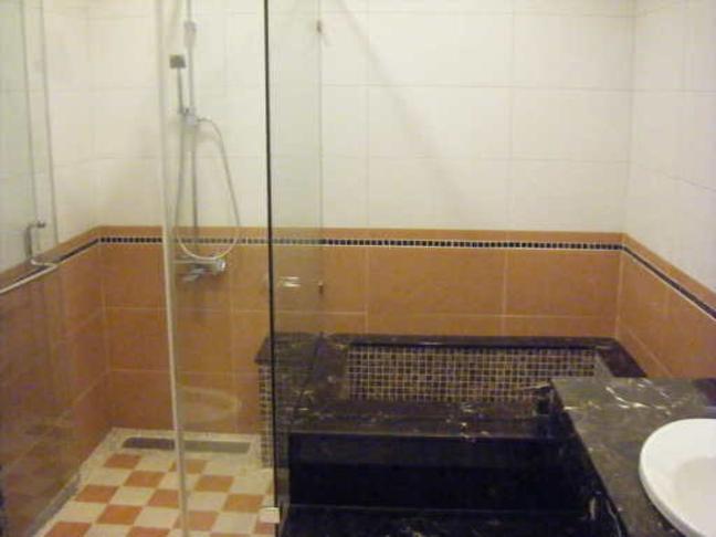 自建浴缸装修效果图